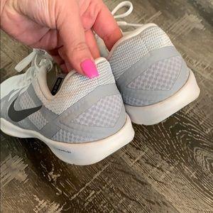 Nike Shoes - 💥SOLD💥Nike lunarlon Women Shoes